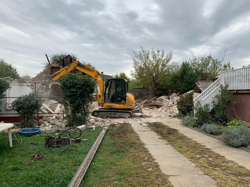 családi ház bontás